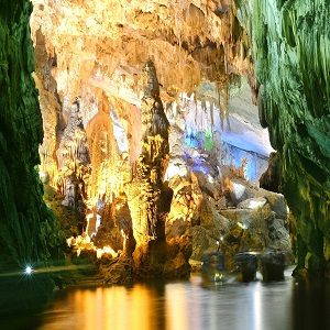Phong Nha Cave-best cave in the heritage tour Vietnam